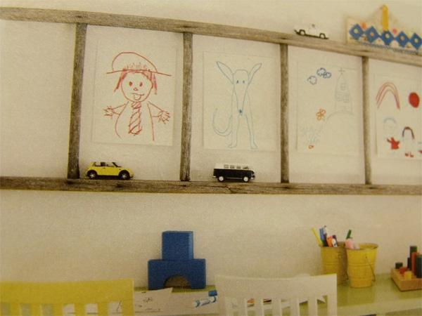 Развесит детские рисунки