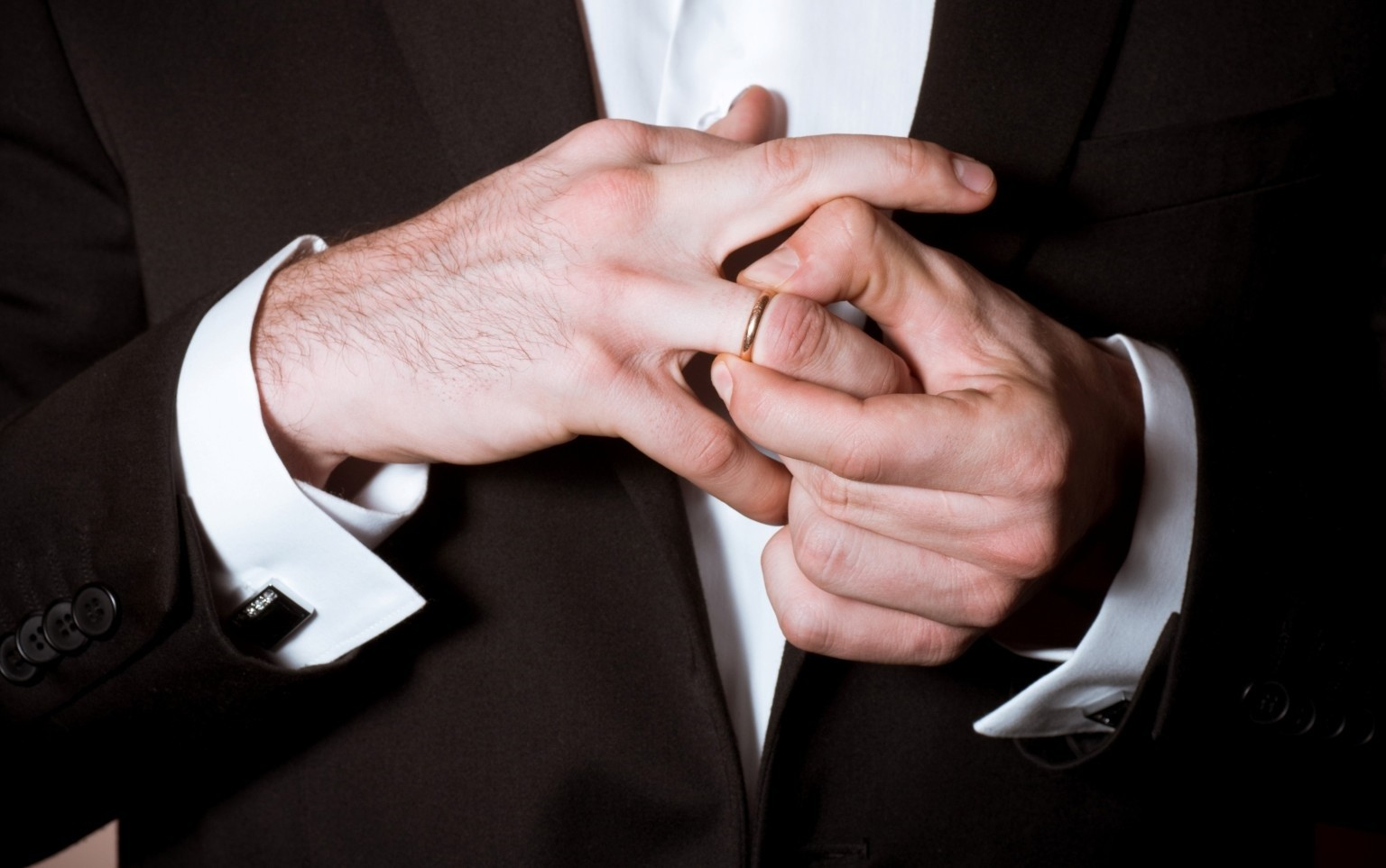 Мужчина трахит жене а муж снимает