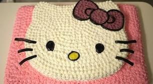 Торт на день рождения девочке Hello Kitty.