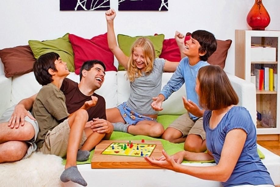с семьями игры на знакомства