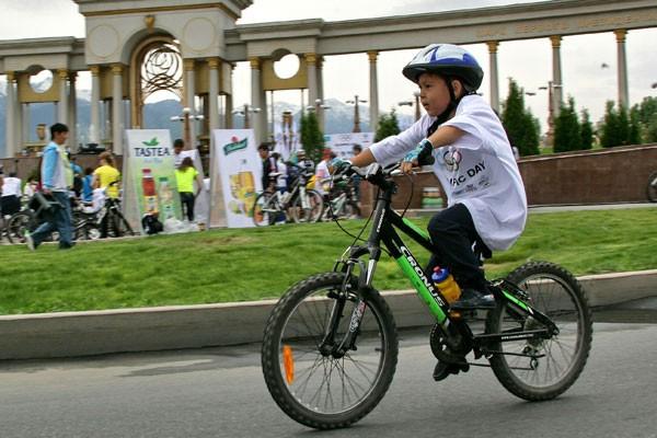 Велопробег посвященный Олимпийскому дню в Алматы