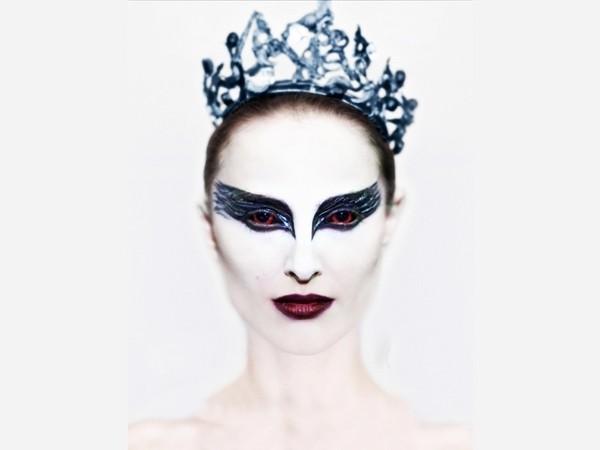 Страшный королевский макияж на Хэллоуин для девушек, фото