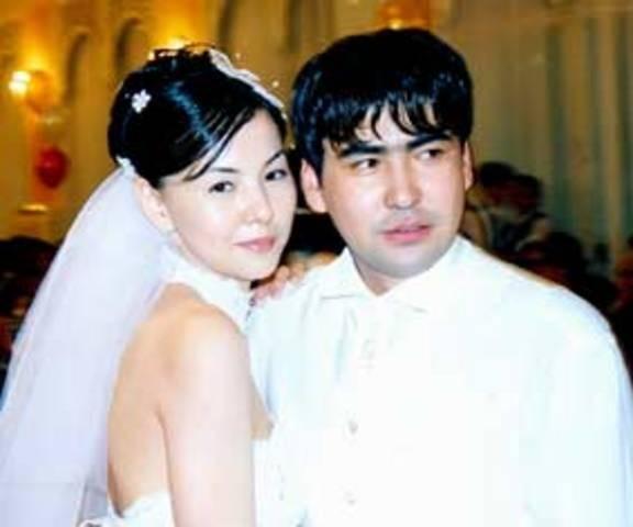 мейрамбек беспаев фото с женой