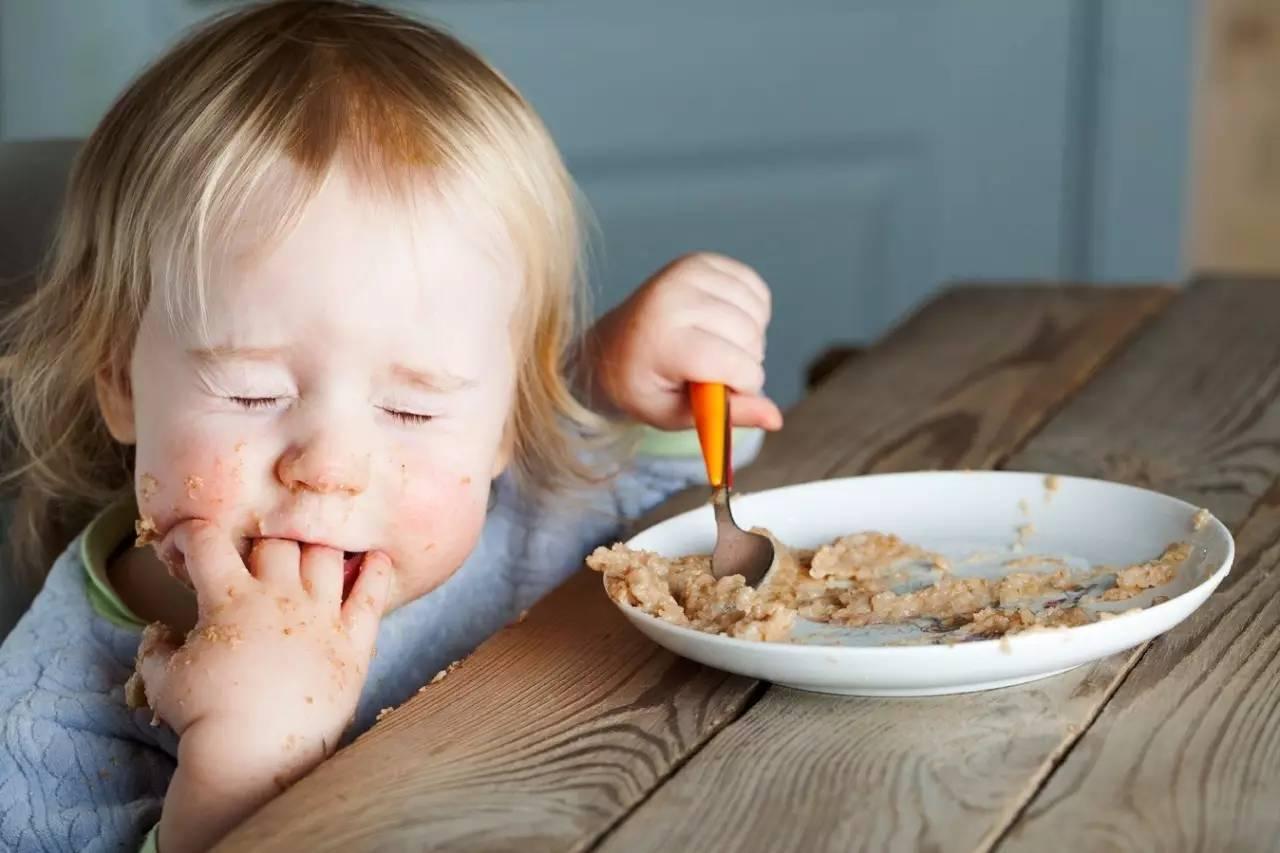 картинка малышей когда они кушают каланхоэ